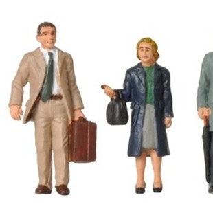 00 Gauge figures 1960/70's Standing Station Passengers