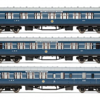 Hornby R4906 LMS Stanier Period III coaches in LMS Coronation Scot blue -3 pack