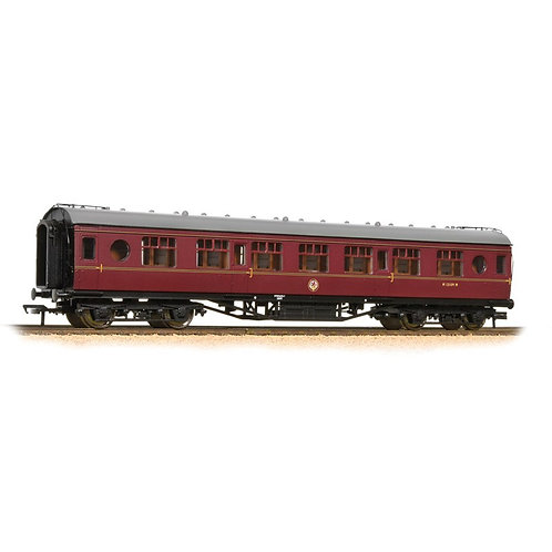 Bachmann 39-451 57 ft ex-LMS 'Porthole' second corridor M13109M in BR maroon