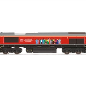 """Hornby R30074 Class 66/0 66113 """"Delivering for our Key workers"""" in DB Cargo live"""