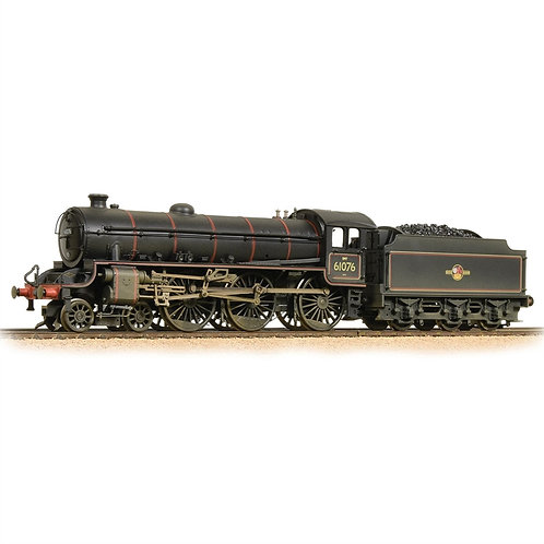 Bachmann 31-716A Class B1 4-6-0 61076 in BR black with late crest - weathered