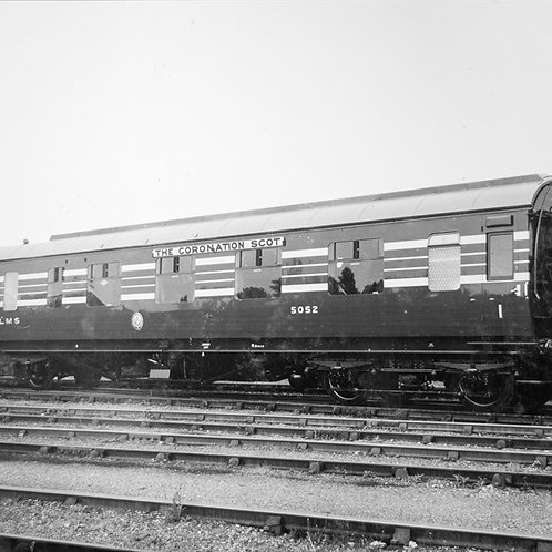 Hornby R4961 Stanier Period III 57' BFK D1961 5052 in LMS Coronation Scot blue
