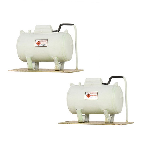 Scenecraft 44-536 Two Domestic / Small Industrial Tanks