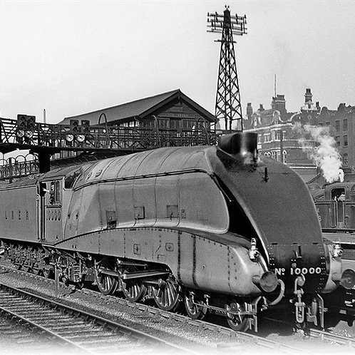 Hornby R3843 Class W1 Hush-Hush 4-6-4 10000 in LNER Garter blue