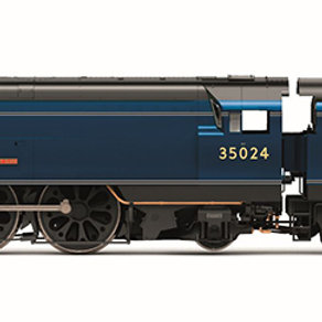 """Hornby R3632 Class 8P 'Merchant Navy' 4-6-2 35024 """"East Asiatic Company"""""""