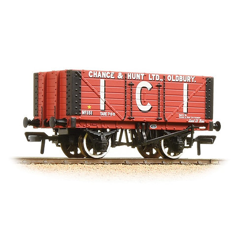Bachmann Branchline 37-115 7 plank fixed end wagon in Chance & Hunt livery