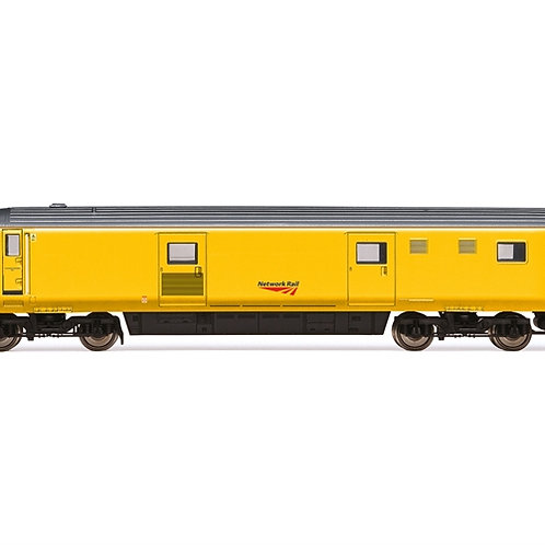 Hornby R4990 Mk3 DVT driving van trailer 82129 in Network Rail yellow