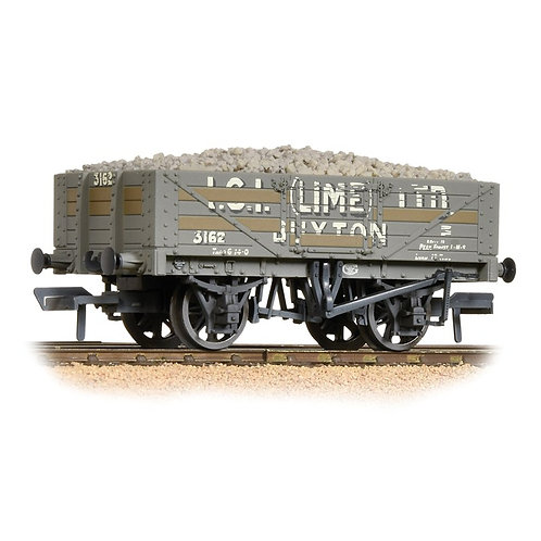 Bachmann 30-040 5 Plank Wagon ICI (Lime) Ltd Buxton, complete with lime load