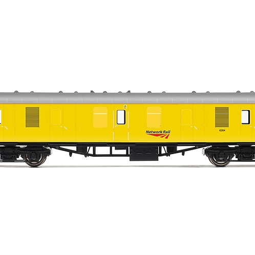 Hornby R4995 ex-Mk1 BG generator van 6264 in Network Rail yellow