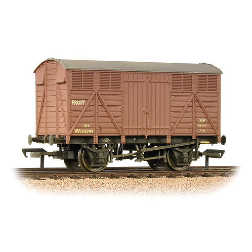 achmann Branchline 37-754D 12 ton ventilated fruit van in BR bauxite - weathered