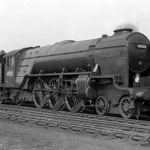 Hornby R3835 BR, Thompson Class A2/3, 4-6-2, 60523 'Sun Castle' - Era 5