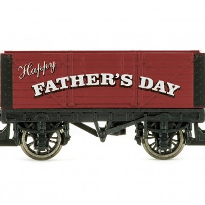 Hornby R6878 Father's Day gift open wagon