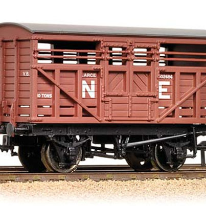 achmann Branchline 37-706A 12 Ton LMS Cattle Wagon NE Brown