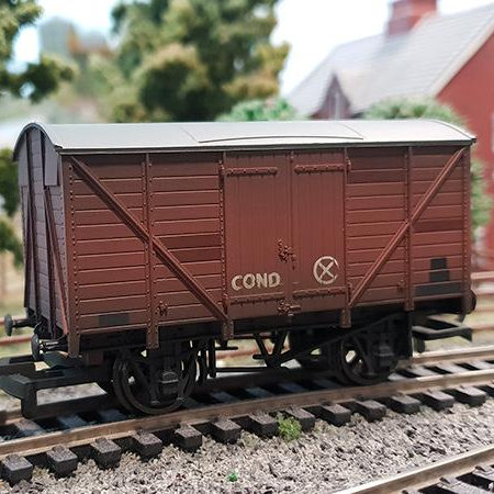 Hornby R6888TTS 4-wheel 12 ton vent van in BR bauxite - TTS sound fitted