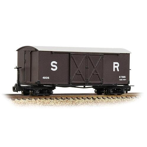 Bachmann Branchline 393-028 Bogie covered goods wagon in SR brown