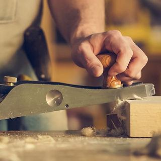 man-hold-wood-planer-374861_edited.jpg