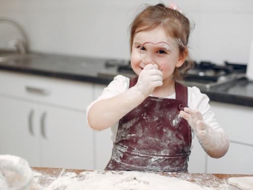 5 coisas que as crianças aprendem na cozinha