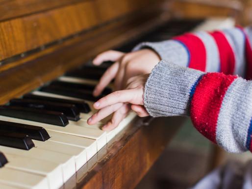 Piano para crianças: Confira os benefícios da atividade