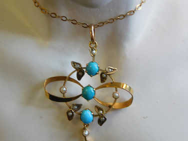 9ct Turquoise & pearl pendant + chain