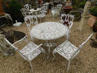 Aluminium table & 4 chairs