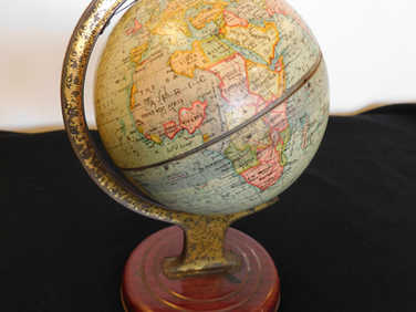 1938 Crawford globe biscuit tin