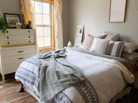 5 Tips on How to Style Your Bed