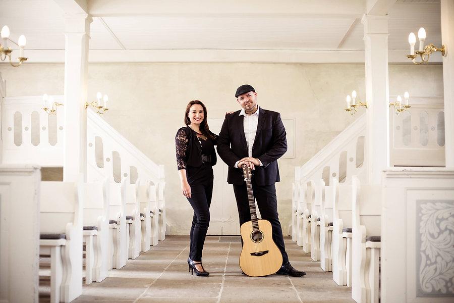 Akustik Duo CarryMe in Kirche