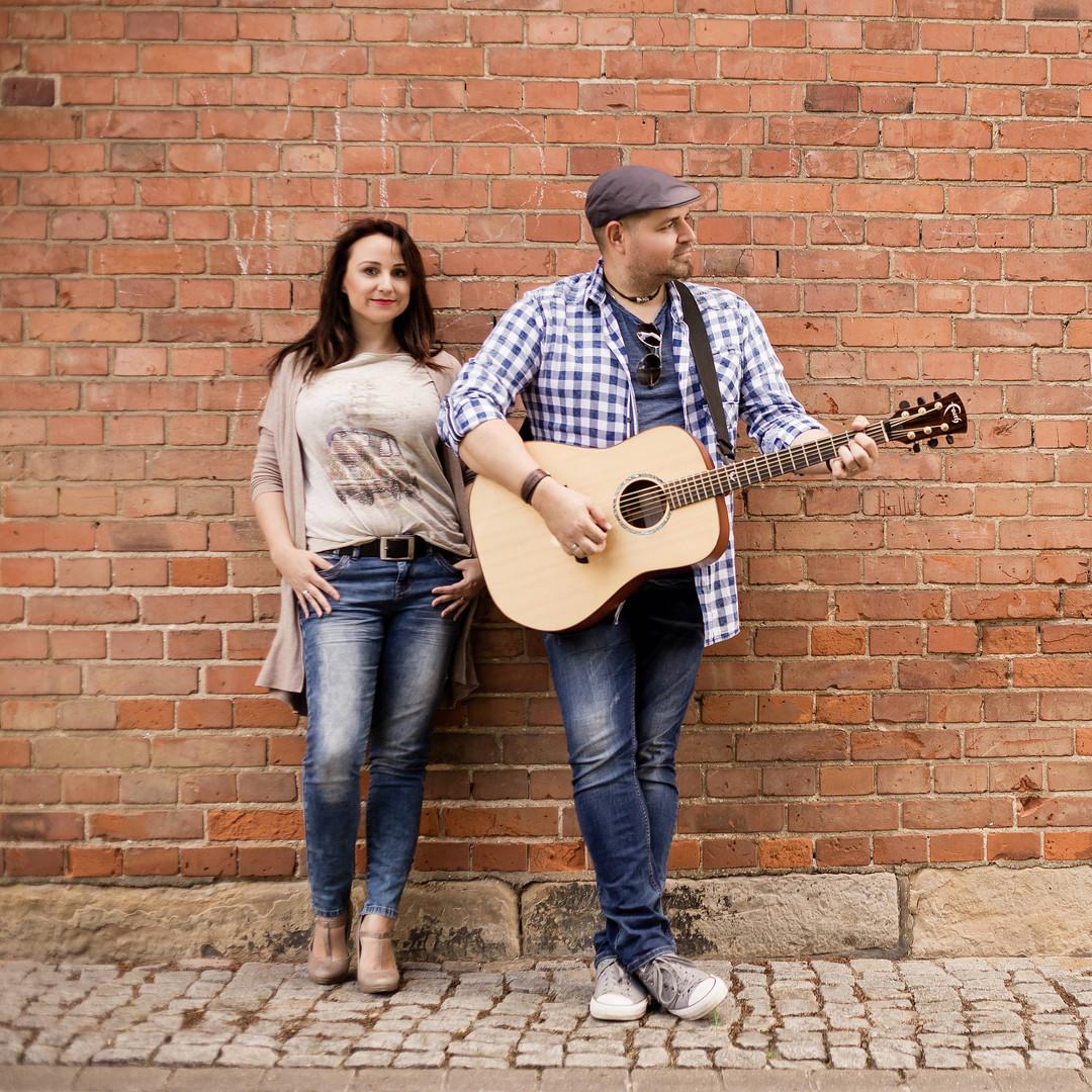 Live-musik-firmenfeier-hannover-showband-hannover-liveband-hannover-coverband-hannover-showacts-für-veranstaltungen-showacts-für-firmenevents-showacts-buchen-hintergrundmusik-lounge-musik-sektempfang-ruhige-musik-zum-essen-feier