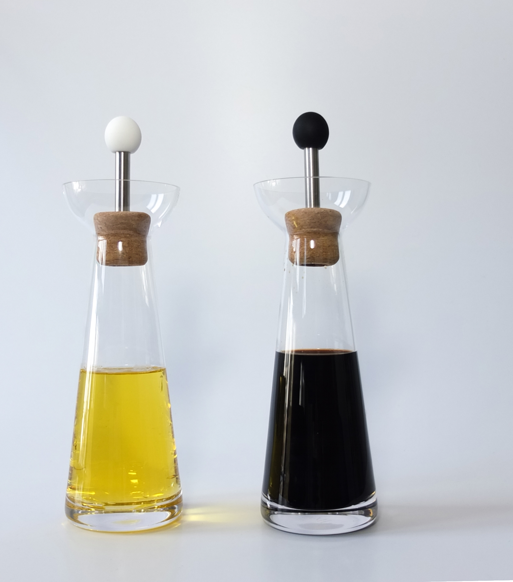 Livø, vinegar & oil carafe