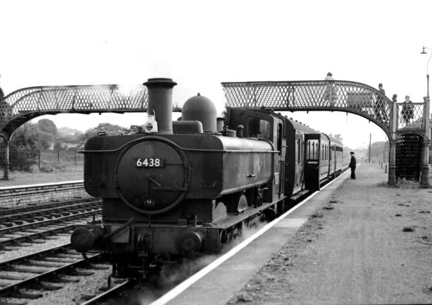 Efail Isaf Train Station 1962