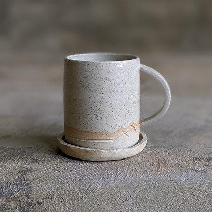 Mountain mug planter