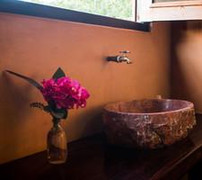 Tronco Room Bathroom