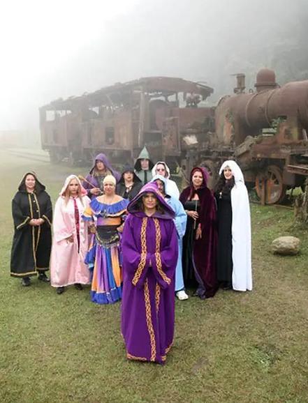 22/05 - Convenção de Bruxas e Magos