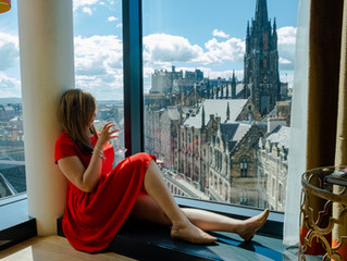 Radisson Collection Stay - Room with an epic view of the Castle from Victoria Street.