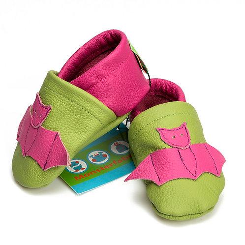 Lederpuschen grün / pink / Fledermaus