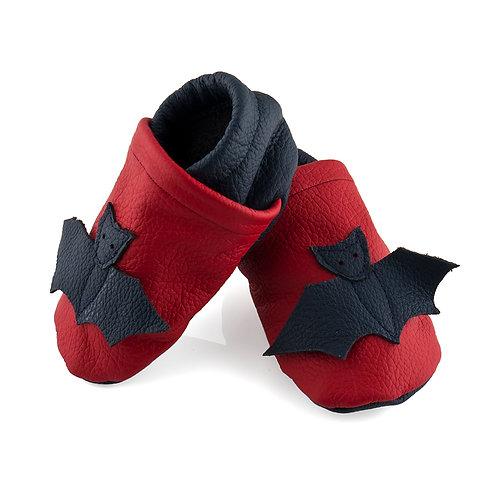 Lederpuschen rot / dunkelblau / Fledermaus
