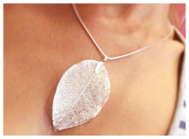 leaf necklace.jpg