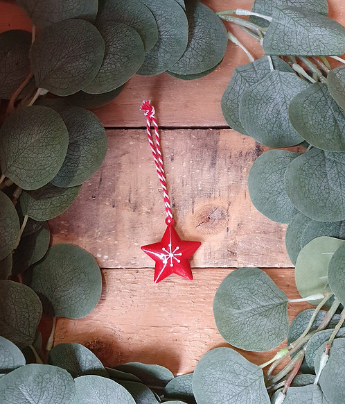 Hanging Metal Star with Bell