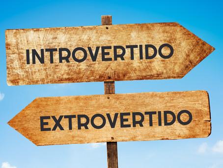 Introvertido versus Extrovertido: O que Significa e Por Que Importa