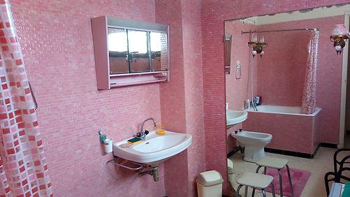 Lamia et Naga Salle de bain.jpg