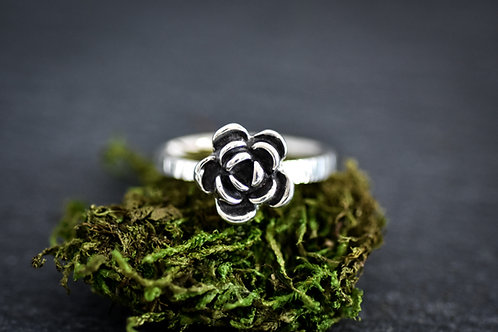 Size 7 Flower Ring