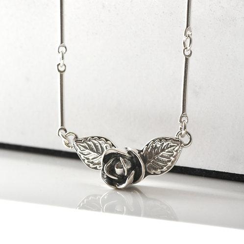 Mini Rose Bud Horizontal Necklace