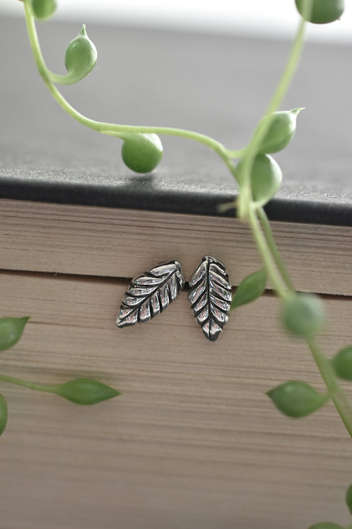 Mini Leaf Studs