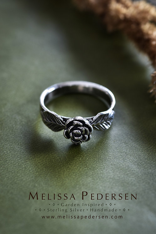 Double Leaf Flower Ring - Size 9