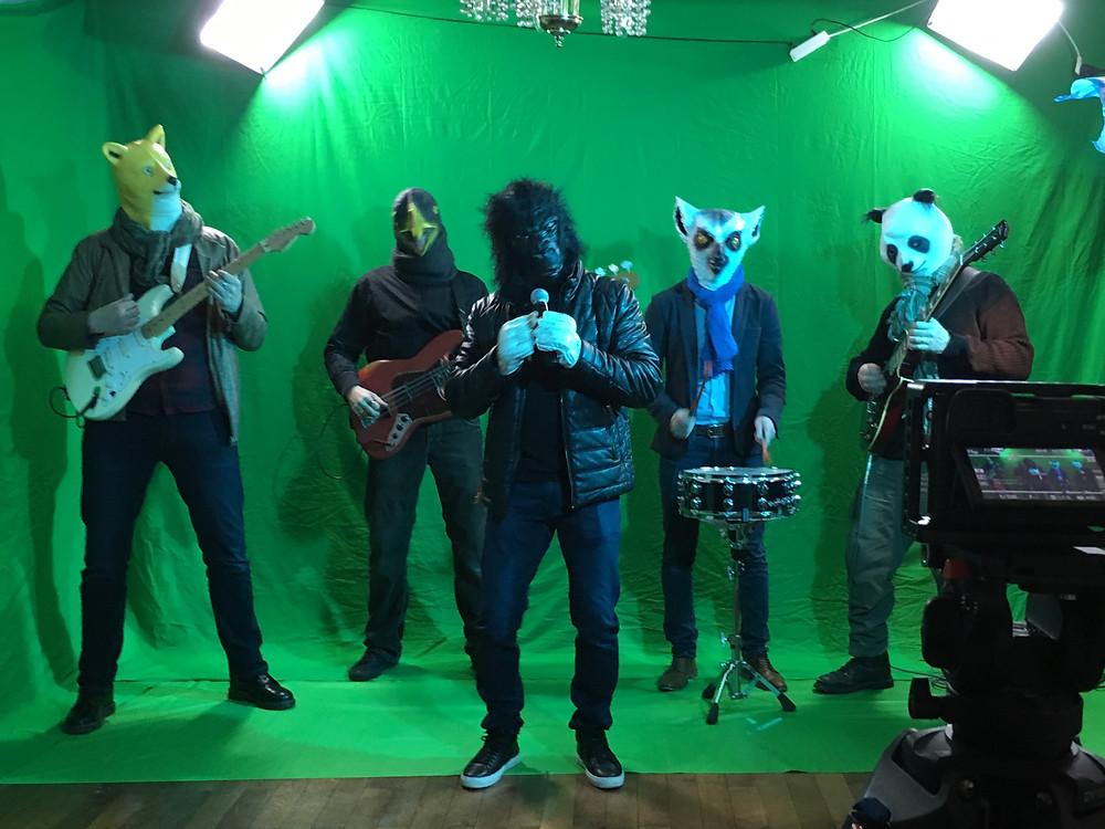 """Le nouveau clip d'Akcouna :""""c'est un bon réflexe"""" tourné le premier mars."""