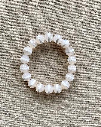 Dzi Agate Bracelet (white stripe)