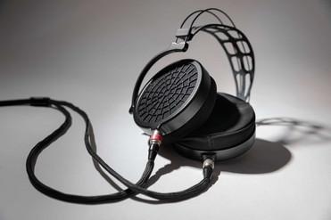 Dan-Clark-Audio-Ether-2-Seite-liegend.jp