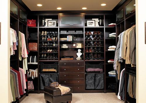 Closet Model 12