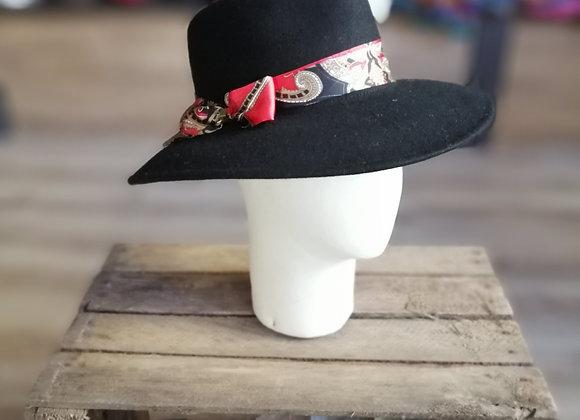 Chapeau feutre large