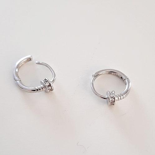925 Ayar Gümüş Beyaz Zirkon Taşlı Rodyum Kaplama Piercing Minimal Halka Küpe